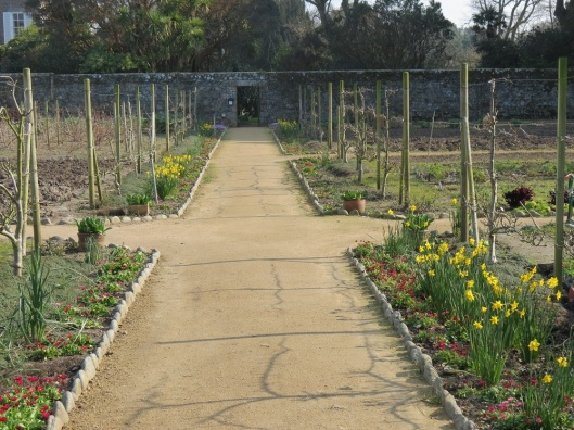 guernsey_walledgarden_wideview